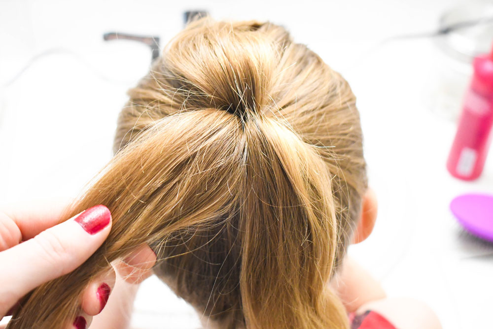 Cute and easy DIY bow hair style with sections of hair