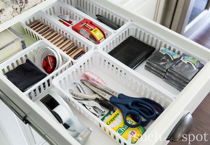 How to organize a junk drawer with small boxes
