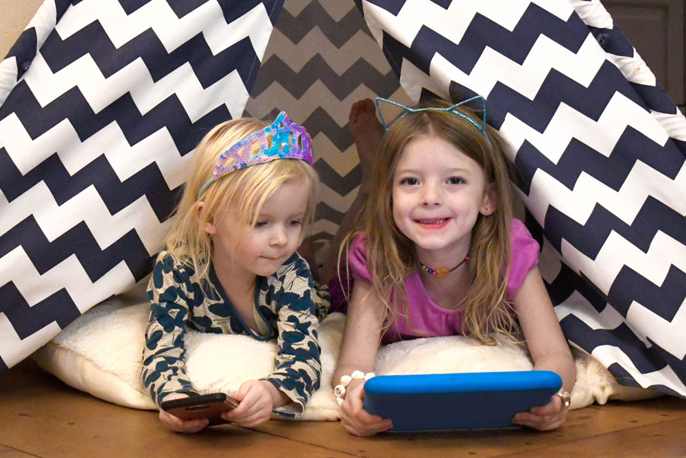 Help your kids manage their screen time with the Verizon Family Tech Initiative