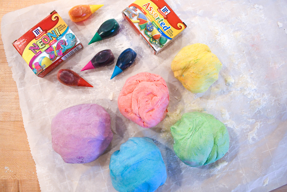 Easy DIY edible marshmallow play dough