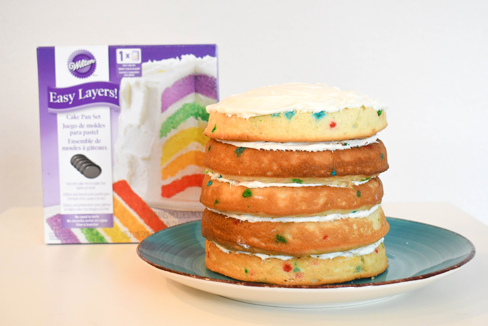 Easy Layers cake pan set for a DIY layered birthday cake