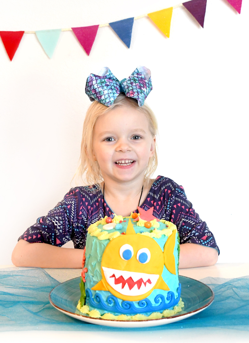 DIY Colorful baby shark birthday cake for kids