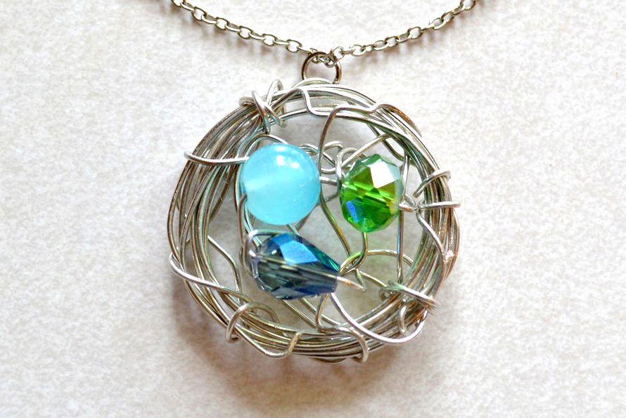 Pretty DIY bird's nest necklace how to