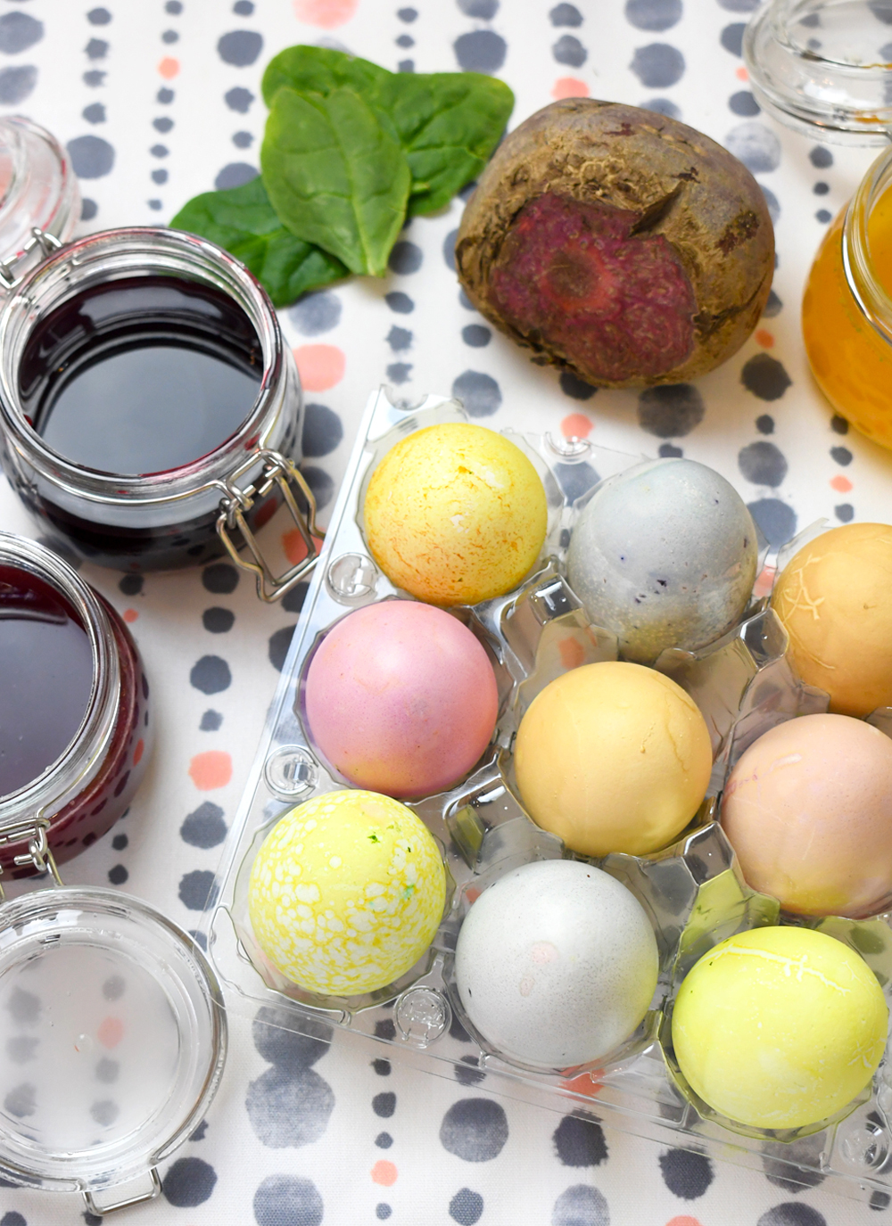 How to Color Easter Eggs Using Natural Dyes