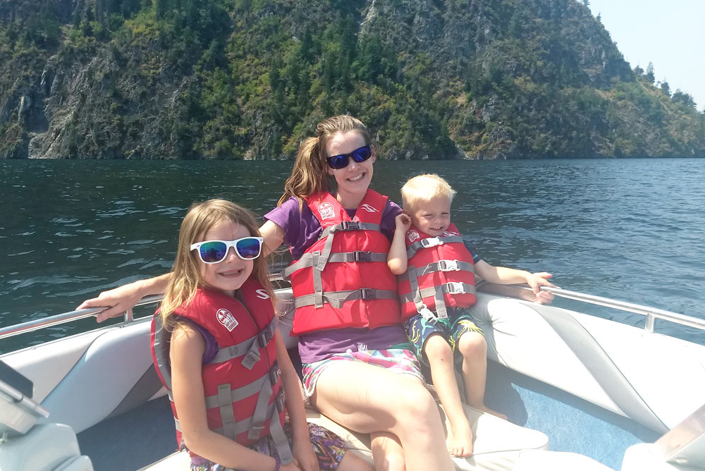 Family boating adventure and safety tips