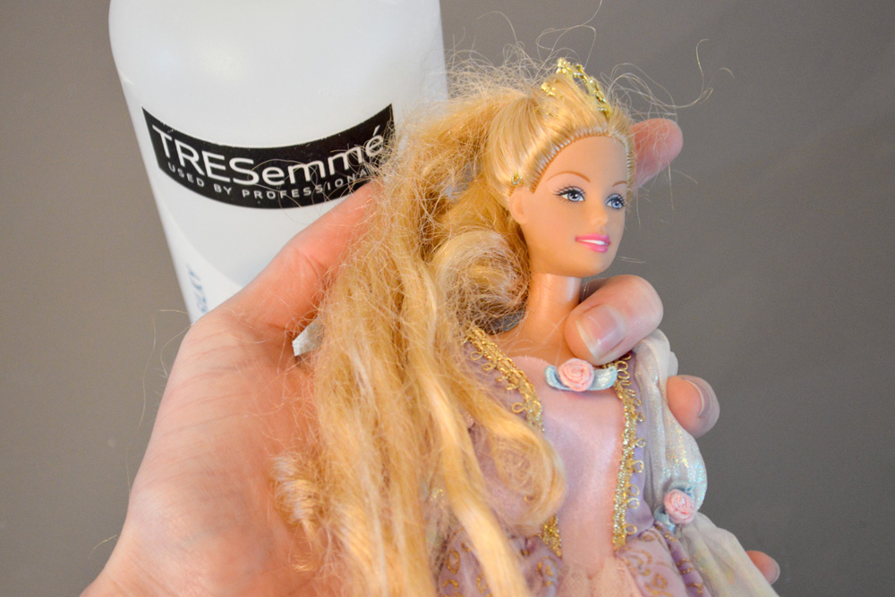 Tips for detangling artificial doll hair