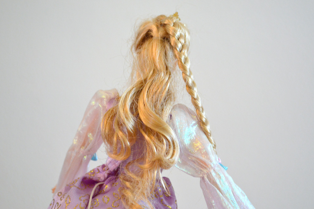 Easy ideas for detangling doll hair and giving Barbie a makeover