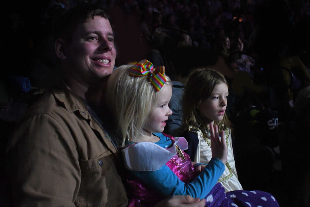 Disney on Ice Mickey's Search Party magical family night