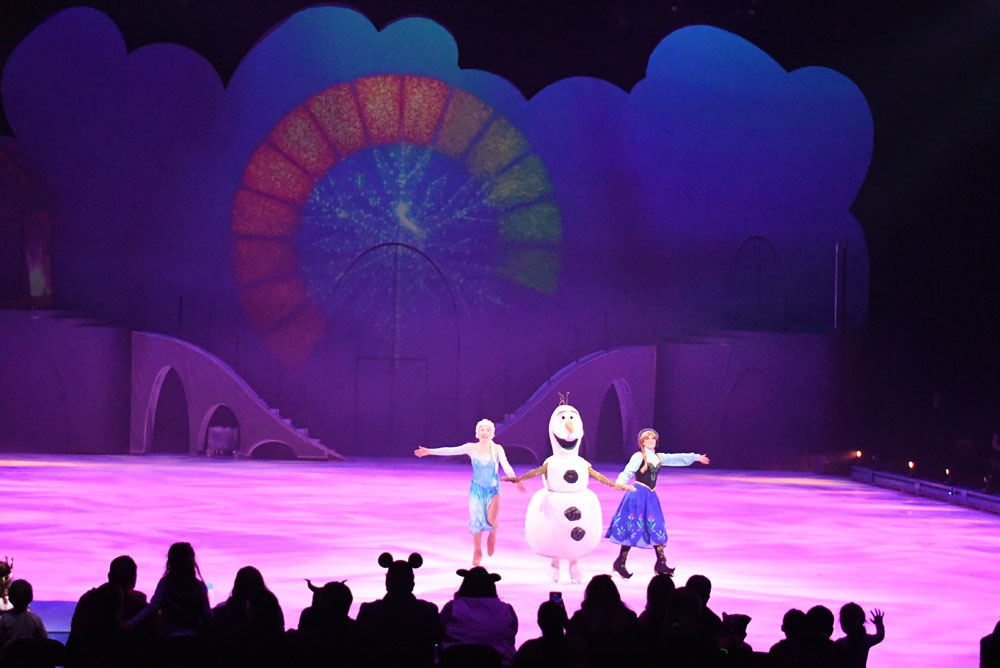 Disney on Ice Mickey's Search Party Elsa, Anna and Olaf