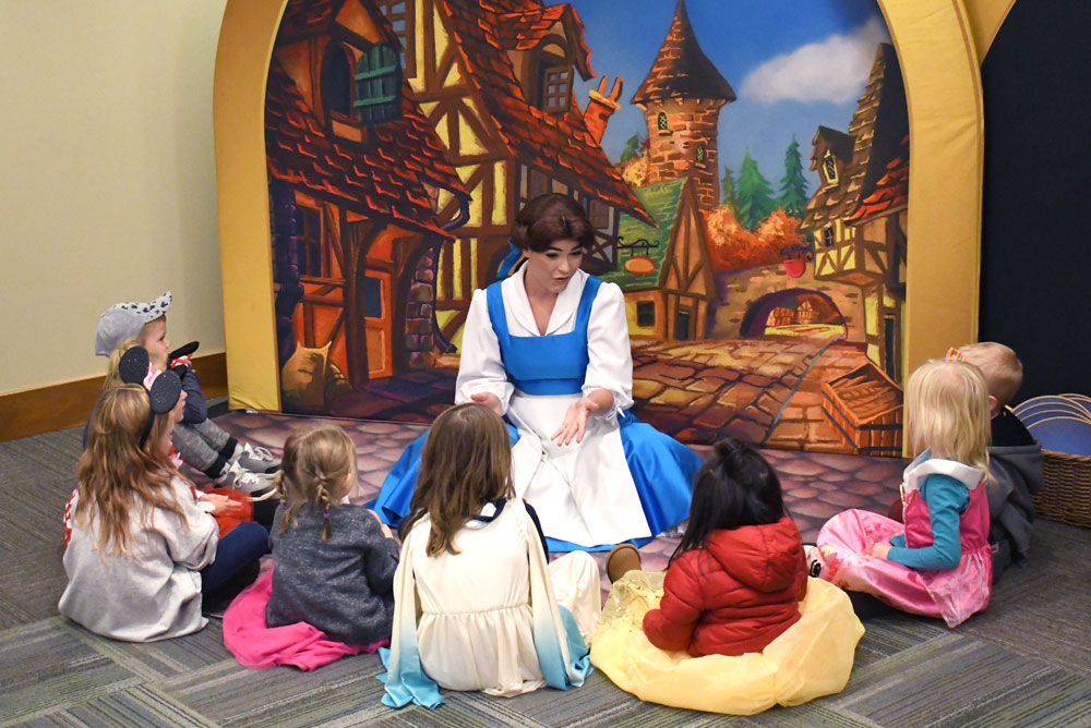 Disney on Ice Mickey's Search Party and Storytime with Belle
