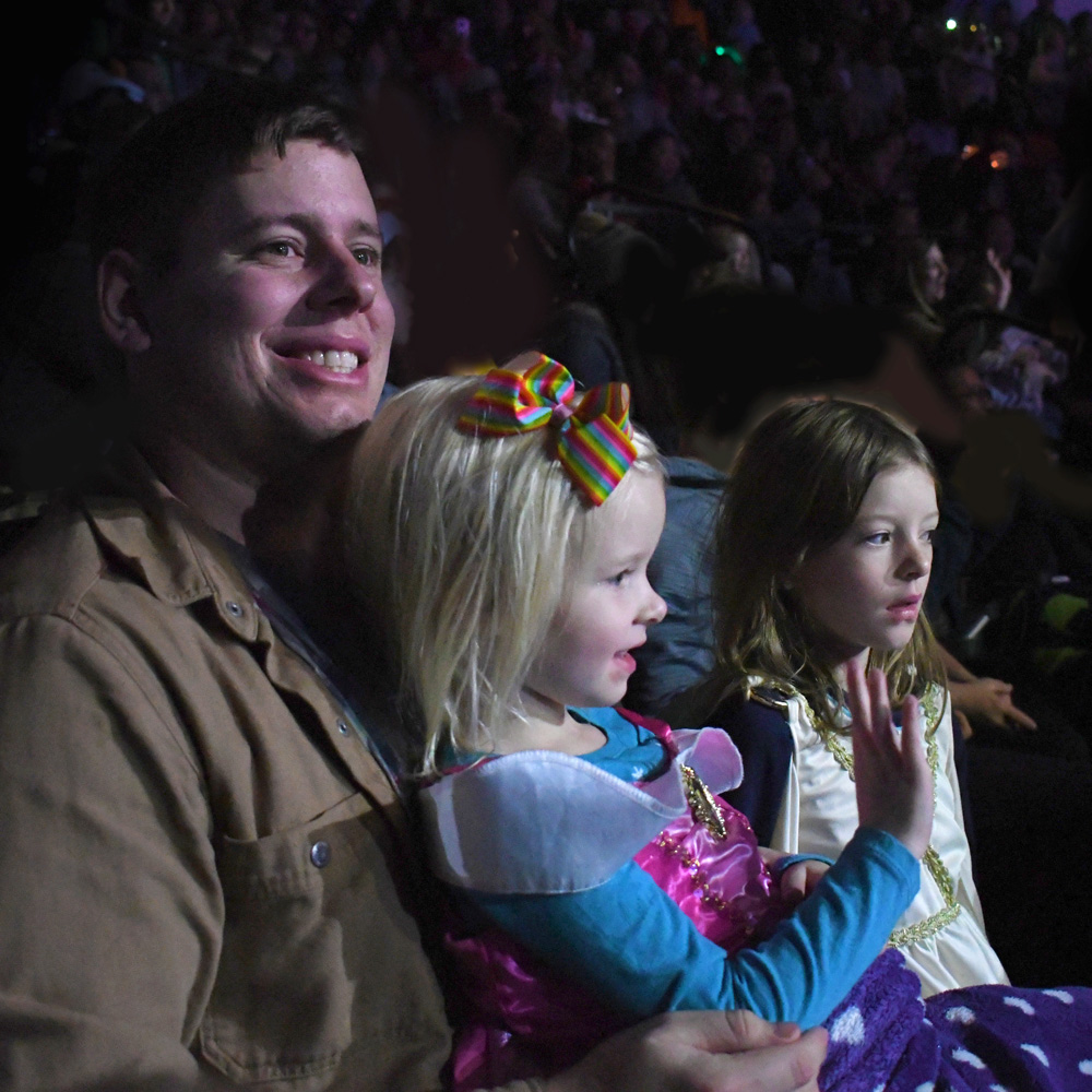 Tips & Things to Bring to a Disney on Ice Show