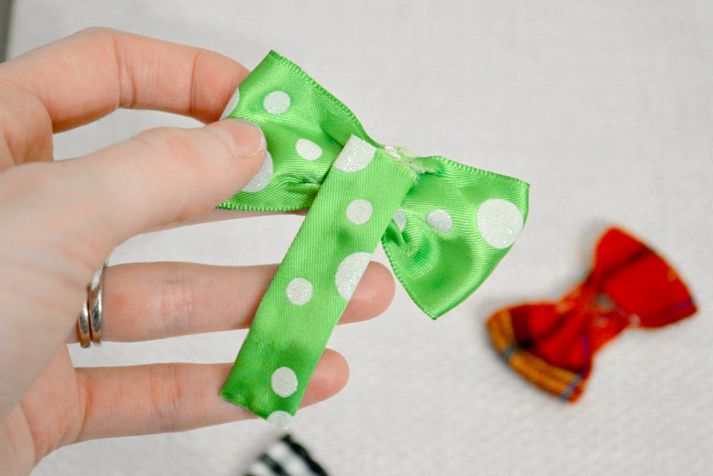 Make your own infant bow tie