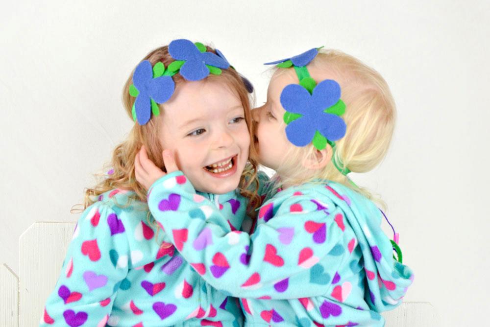 Cute and easy DIY Princess Poppy Trolls flower headbands